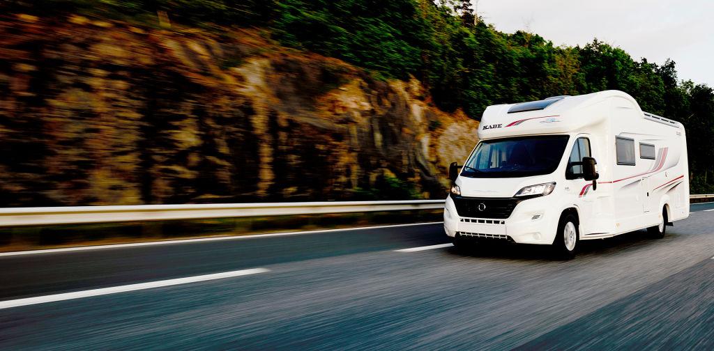 Tarjoushintaiset Kabe-matkailuautot ja asuntovaunut