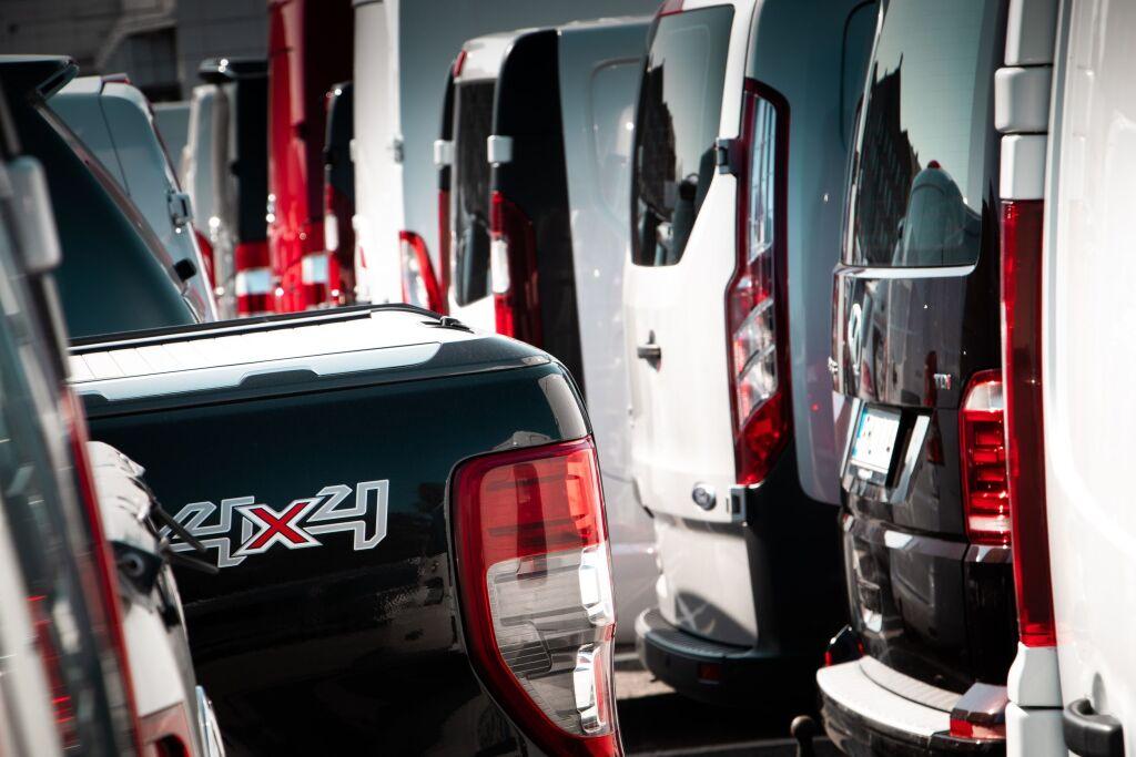 Uudet ja käytetyt pakettiautot