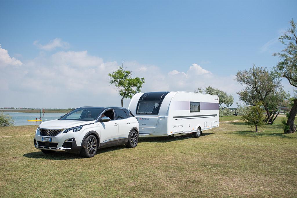 Uudet ja käytetyt Adria Astella -matkailuvaunut