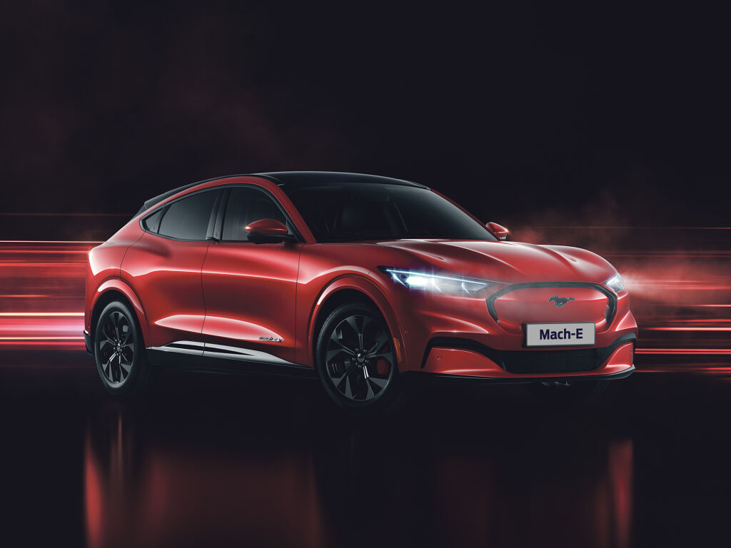 Uusi Mustang Mach-E vain 398 €/kk!