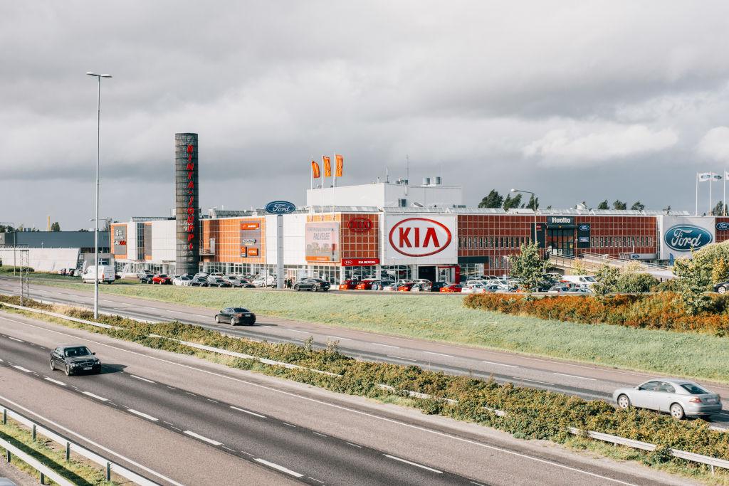 J. Rinta-Jouppi, Helsinki - Autoliike ja autohuolto